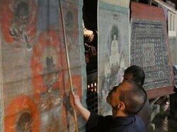 長寿寺で寺宝の虫干し 湖南三山の一つ