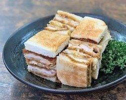 藤井大丸で開かれる催し「パンと焼き菓子」で販売される「ハイライトカツサンド」