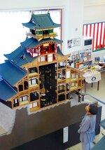 建築史家の研究に基づく安土城の模型(近江八幡市安土町小中・安土城郭資料館)