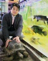 教会で水族館を運営する牧師篠澤俊一郎さん(京都市右京区)