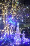 「冬ホタル」夜空に輝く 駅前イルミネーション、滋賀・守山