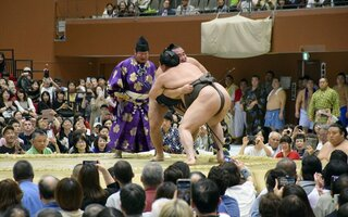 観衆6千人、地元出身力士に声援送る 大相撲京都場所