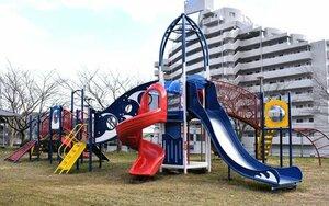 日置東第二公園に新しく設置された大型遊具(京都府宮津市日置)