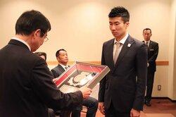 「東京五輪でファイナリスト目指す」 陸上世界選手権で銅の桐生選手、「栄誉賞」受け抱負