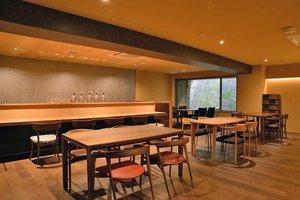 家具を試して購入できるカフェ「デコール・デ・コージー」