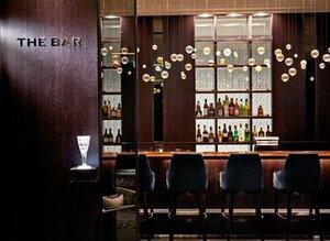 「ザ ロイヤルパークホテル 京都三条」の「THE BAR」の内観