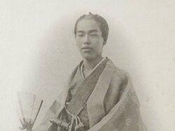 幕末武士の写真、子孫いずこに「長州征伐時、大坂で撮影」