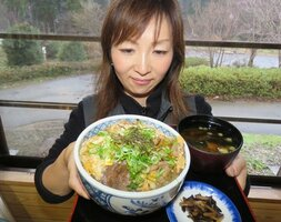 地元産イノシシの肉を使った「シシ肉丼」(長浜市余呉町中之郷・ウッディパル余呉)