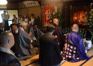 暗殺された八木邸で行われた芹沢鴨の法要(京都市中京区)