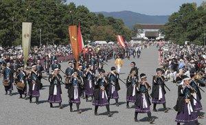 昨年行われた時代祭の行列。今年は例年とは異なり10月26日に実施される(2018年10月22日、京都市上京区・京都御苑)