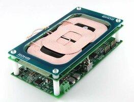ロームが開発した車載スマートフォン無線充電システム