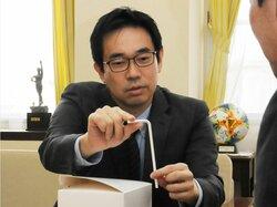 紙ストロー5万本を市に寄付 京都・向日発祥の企業