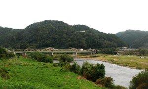 人口が1300人を割り、京都府内最少の笠置町。乏しい住宅が帰郷や移住の課題として浮かぶ